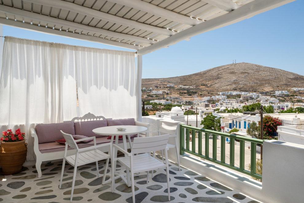 anemomilos-apartments-folegandros-green-studios-01