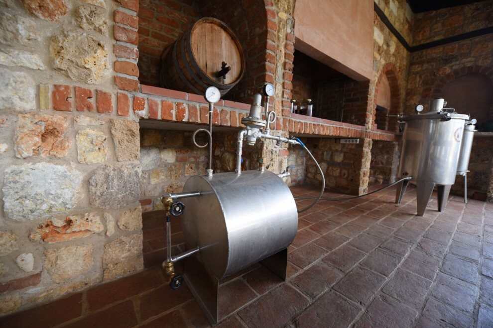 Activities_essential_oil_distillation